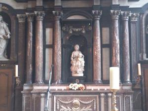 ミケランジェロによる聖母マリア像