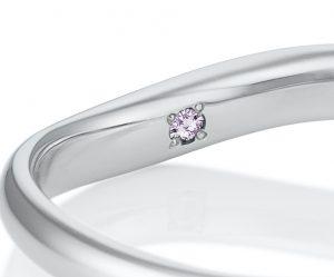 カフェリングの希少なピンクダイヤモンド