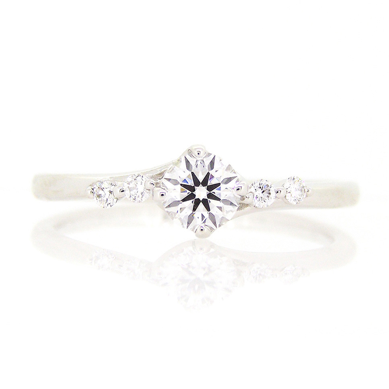 """spica"" 4 side melee diamond line ring"