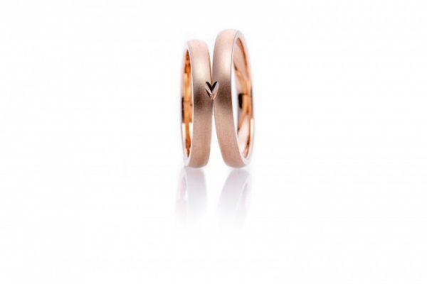 合わせるとハートが現れるかわいい結婚指輪(マリッジリング)をお探しの方は新潟出身デザイナーが手掛けるBRIDGE(ブリッジ)がおすすめ