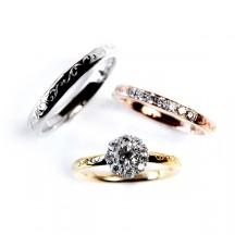 太陽のような美しいダイヤモンドが輝くアンティークカワイイ結婚指輪よ婚約指輪もセットリングはRosettEの太陽