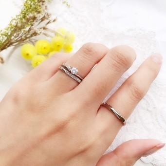 指輪は婚約指輪と結婚指輪
