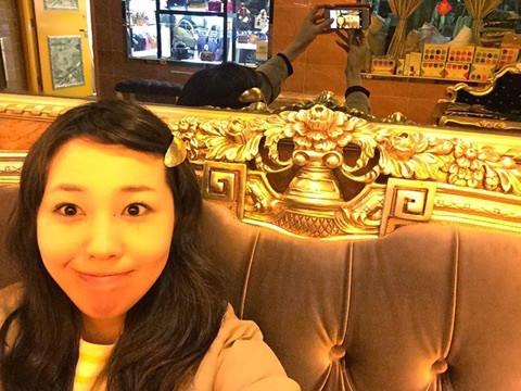 ベストウエスタングランドホテル香港 ロビーも金ぴか