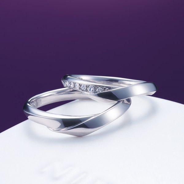NIWAKAniwaka俄新潟婚約指輪結婚指輪単衣ダイヤモンドハードプラチナV字デザイン指が長く見えるBROOCHブローチ