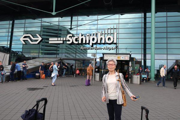 オランダとベルギーは電車で1時間、弊社会長と電車旅