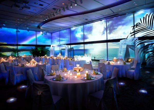 結婚式きれいすぎる海の中の挙式ハワイアンズ