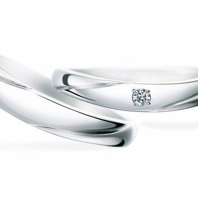 シンプルなデザインとたるみのある形状が人気の結婚指輪はSomethingBlueのTwinLane