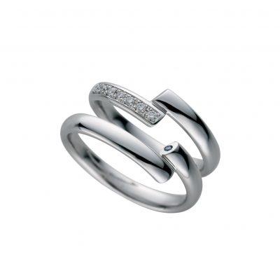 サムシングブルーの個性的でカッコいいスタイリッシュな結婚指輪