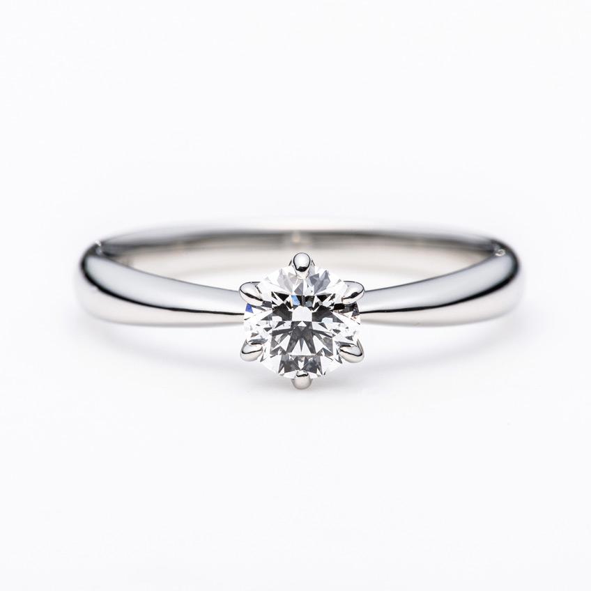 固い愛の決意と想いを込めたダイヤモンドで最高のプロポーズを