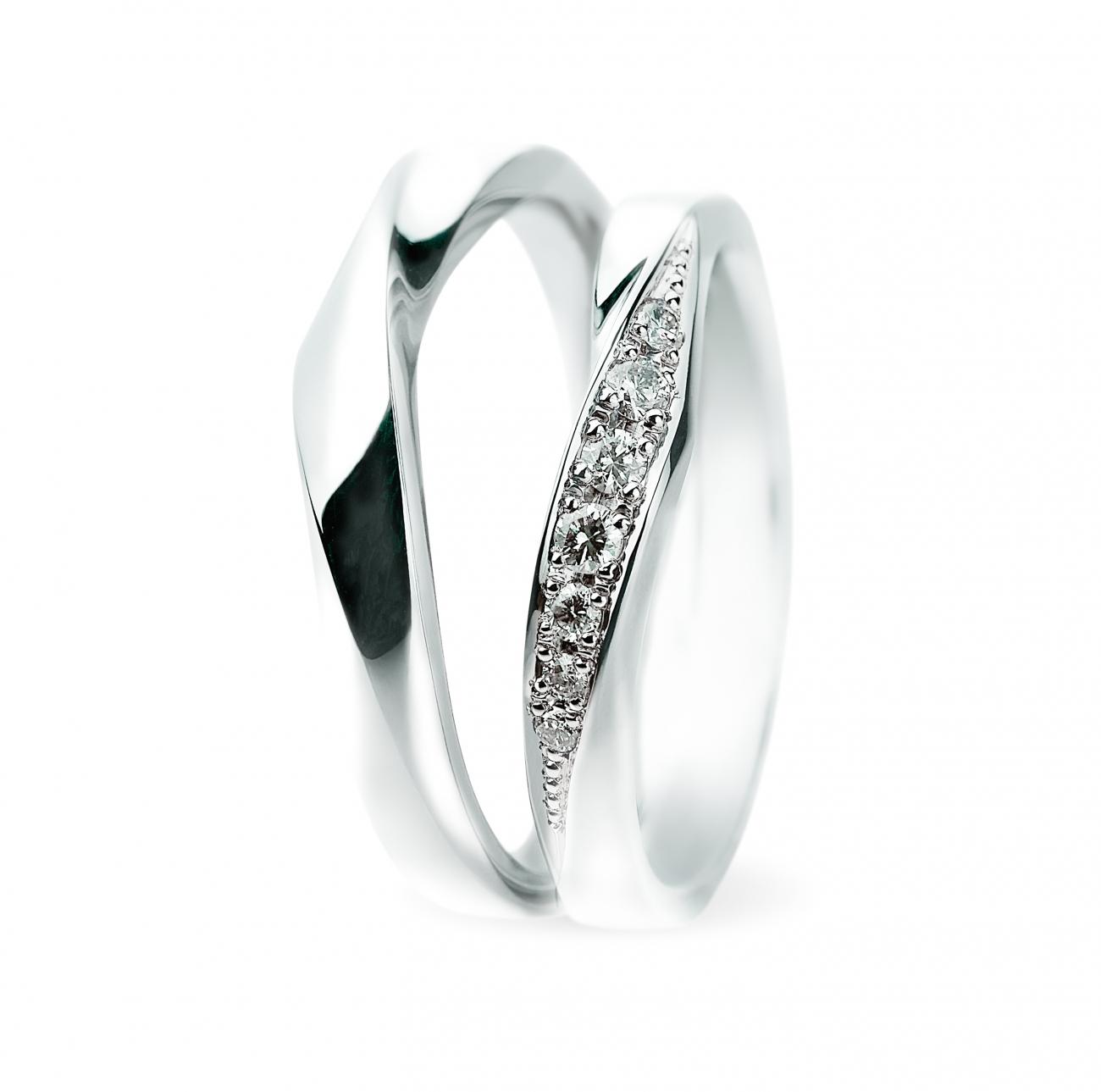 新潟でシンプルでかっこいいかわいい結婚指輪マリッジリングを選ぶならSomething blueサムシングブルーの取り扱いのあるBROOCHブローチ