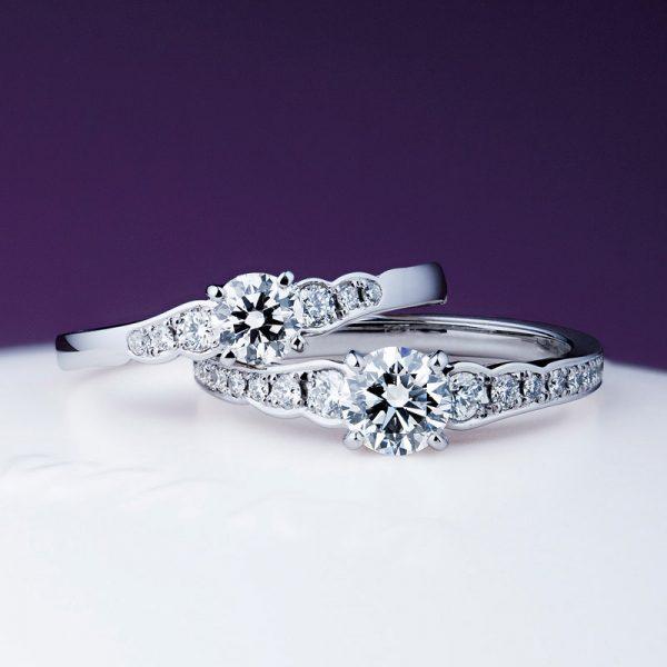 きらりと輝くダイヤモンドがキレイな婚約指輪でプロポーズ