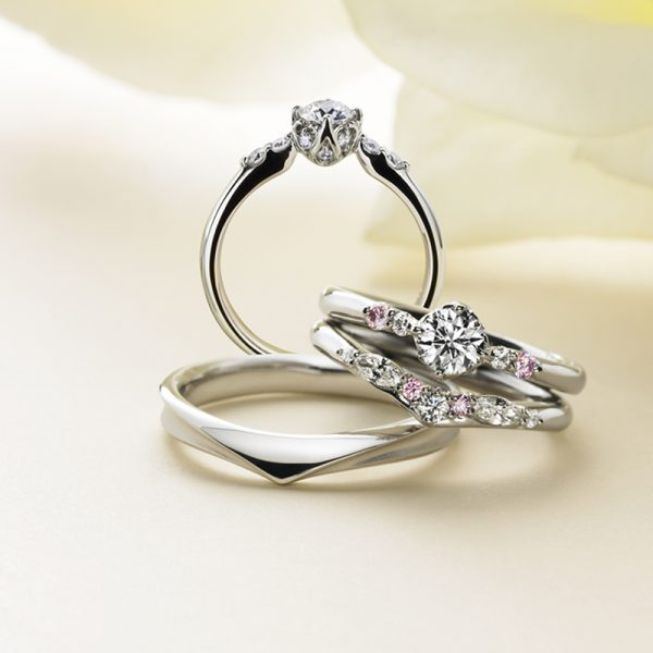 華やかなピンクダイヤモンドが輝くMariageマリアージュの結婚指輪マリッジリング