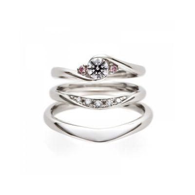 BRIDGEのセットリングで人気の薔薇のアーチとライオンの橋はピンクダイヤモンドが可愛い婚約指輪と形が話題の結婚指輪です