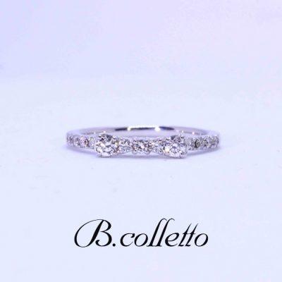 クリスマスプレゼントにピッタリのB.colletto リボンリング。ご婚約指輪としてもオススメです。