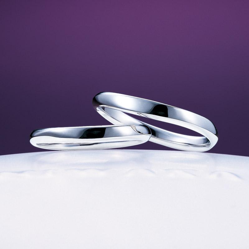 シンプルウェーブのキレイなNIWAKAニワカ俄にわかの結婚指輪マリッジリングは笹舟