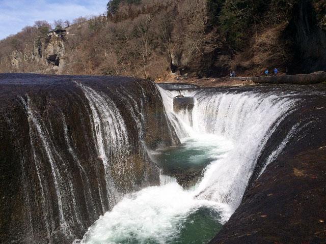 大自然に囲まれてのプロポーズなら吹割の滝