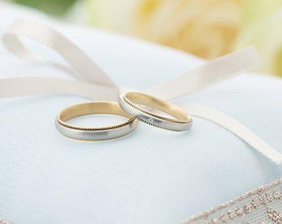 ゴールドとプラチナのコンビのデザインがおしゃれなフラージャコーの結婚指輪