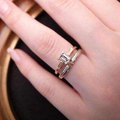 ORECCHIOオレッキオはエメラルドカットダイヤモンドの唯一の専門ブランドですアンティークジュエリーやゴールドジュエリーをお探しの方にとてもおススメです