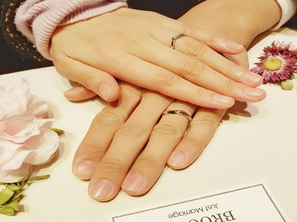 指輪の持つ意味がステキだったので俄NIWAKAの「初桜(ういざくら」に決めました