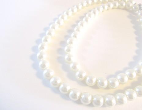 華やかでかわいい一生使う花嫁道具や嫁入り道具は真珠のネックレス