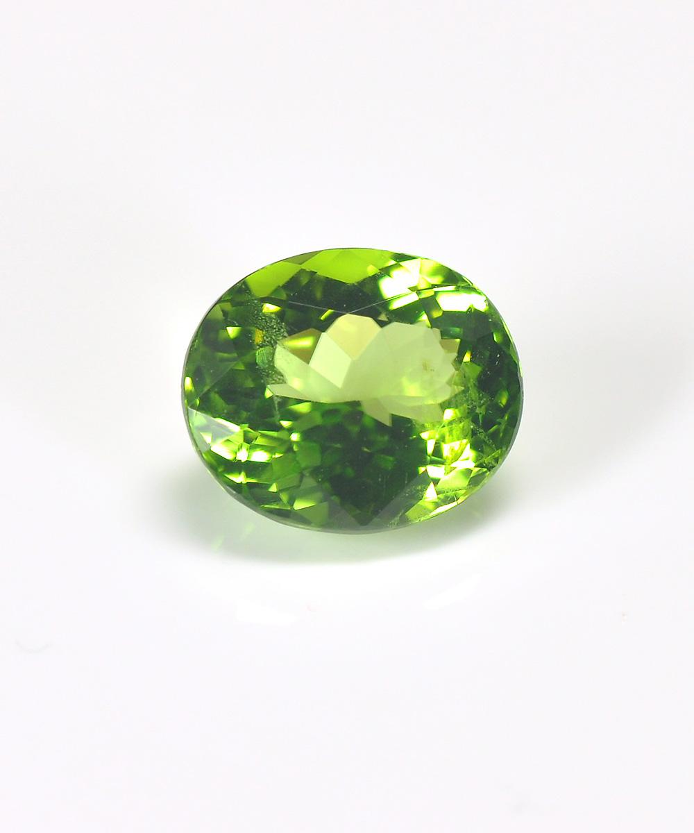 8月の誕生石ペリドットの魅力について指輪を探すならBROOCH