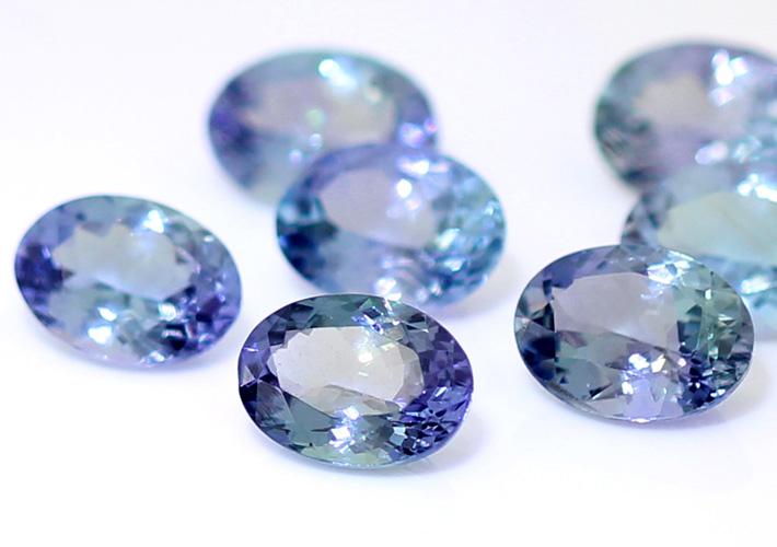 12月の誕生石タンザナイトの魅力について指輪を探すならBROOCH