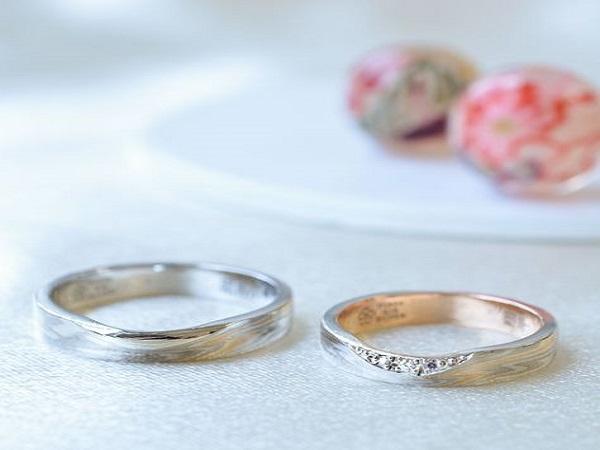 Webで見かけて一目惚れ。オーダー会で杢目金屋「紅ひとすじ」のこだわりの結婚指輪
