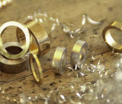 鍛造の魅力について語る、強くて丈夫な結婚指輪