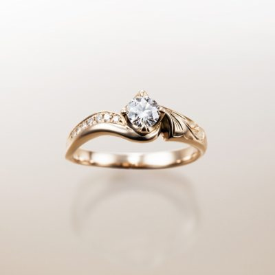 大人気ハワイアンジュエリーのオシャレカッコいい婚約指輪を探すならMAKANA