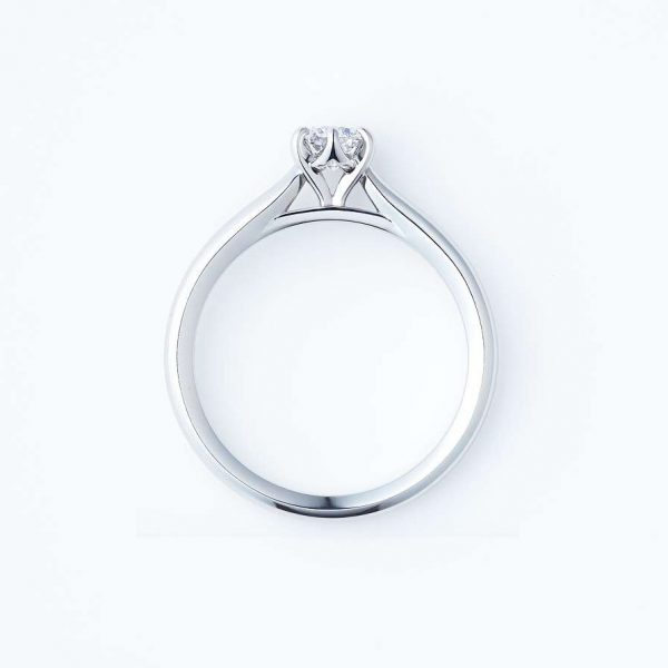 新潟で人気の結婚指輪と婚約指輪 BROOCH 俄(にわか) | NIWAKAでダイヤモンドをエンゲージリングにする場合の大きさを考える