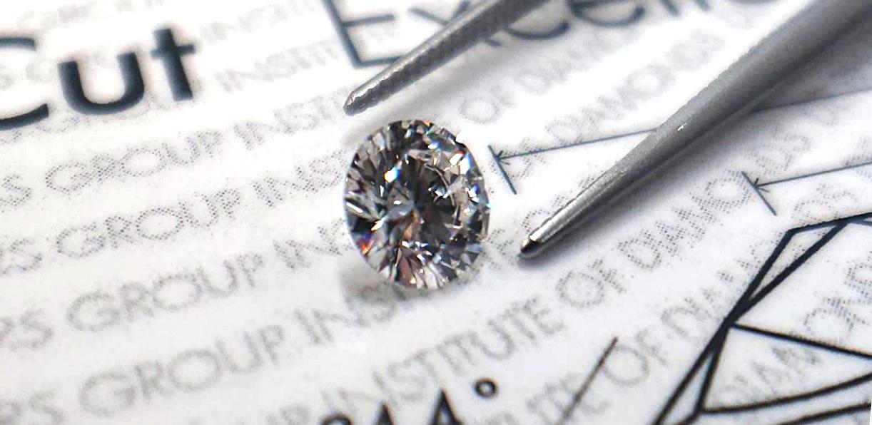 ダイヤモンドの裸石だけでプロポーズ
