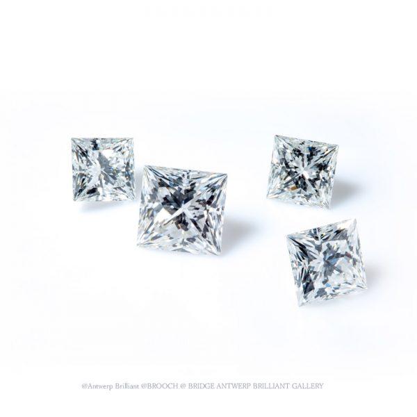 ブローチで選ぶトリプルエクセレントのプリンセスカットダイヤモンド