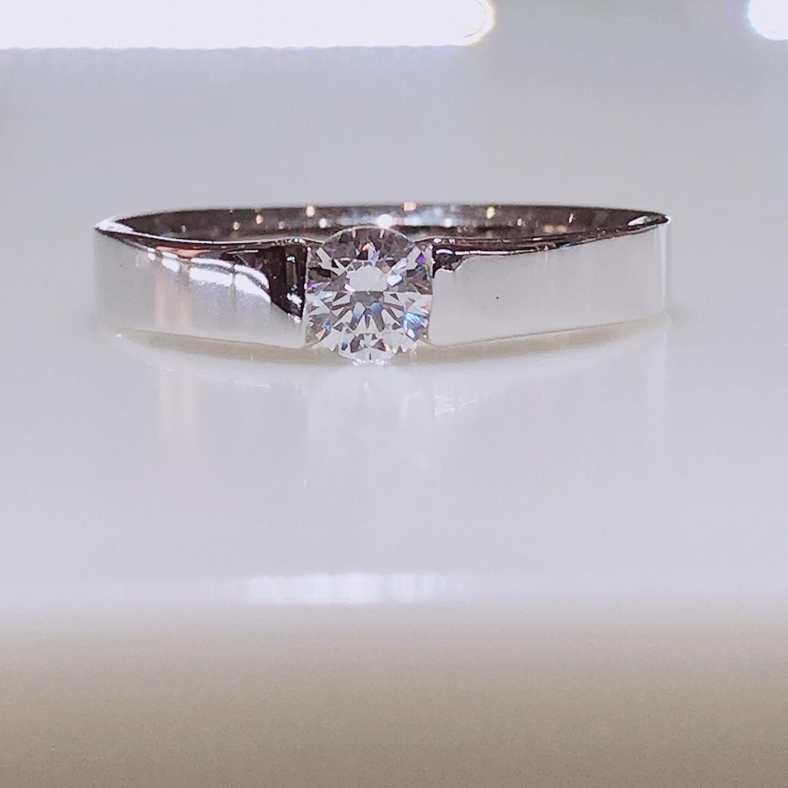 BROOCH 婚約指輪 エンゲージリング 伏せ込みストレートデザイン