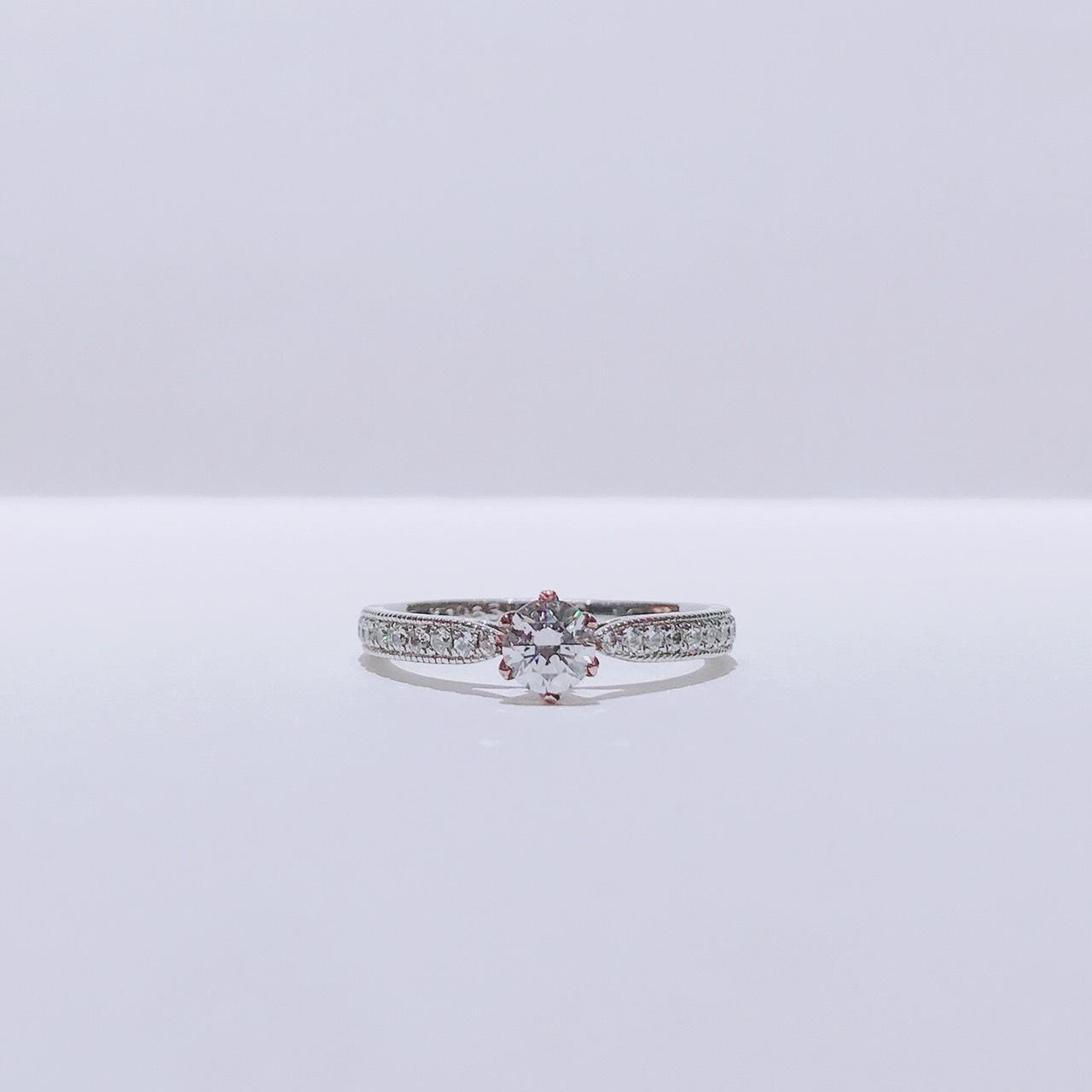BROOCH 婚約指輪 エンゲージリング シークレットストーンセッティング華やかデザイン