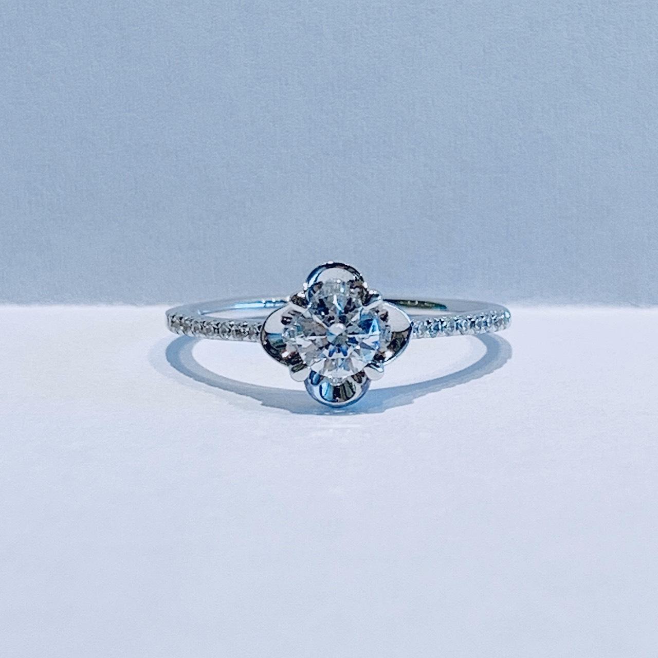 BROOCH 婚約指輪 エンゲージリング フラワーデザイン