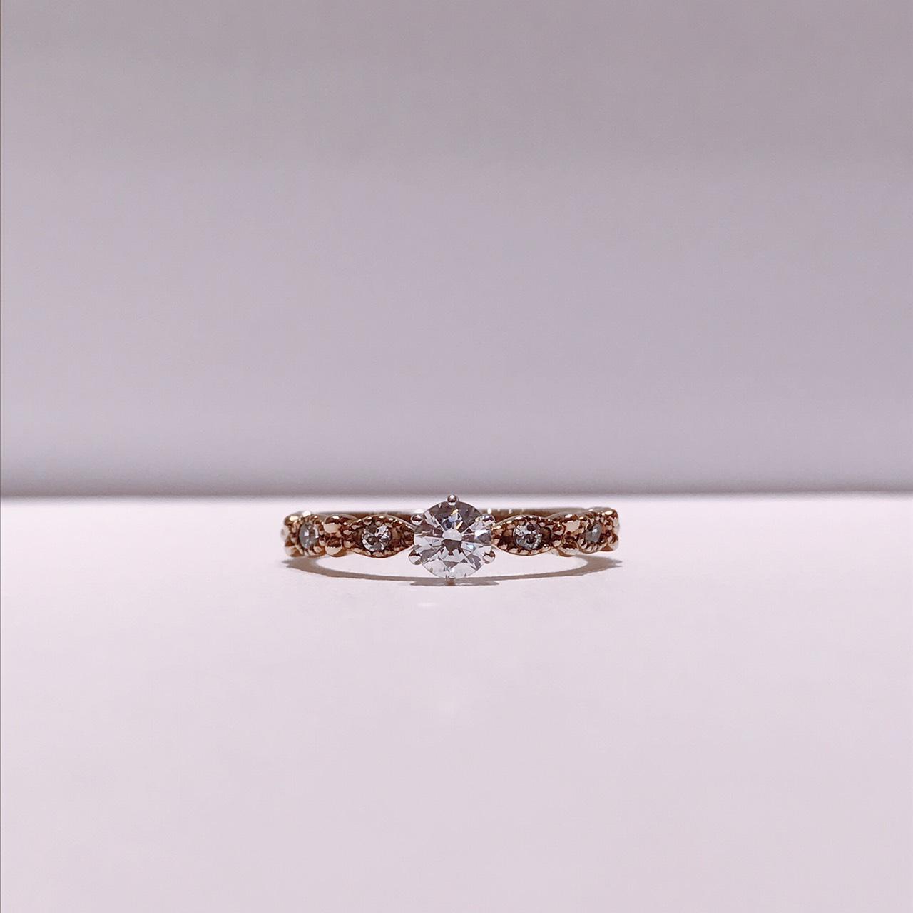 BROOCH 婚約指輪 エンゲージリング アンティーク風デザイン