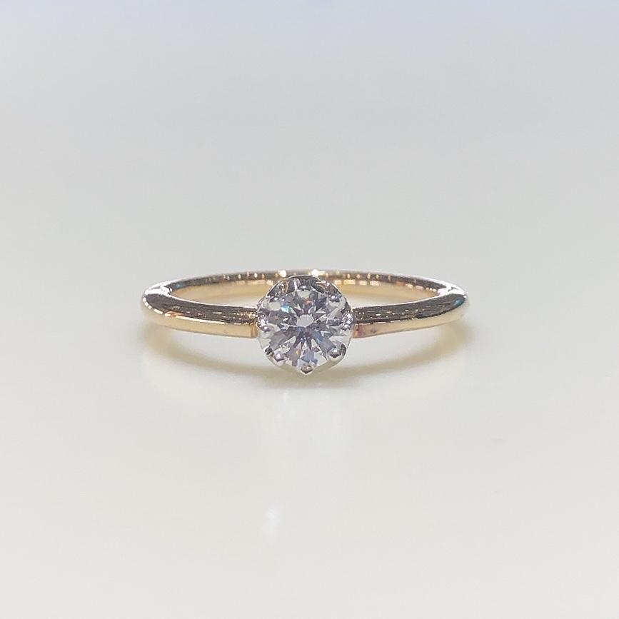 BROOCH 婚約指輪 エンゲージリング ダイヤ1石クラウン型デザイン
