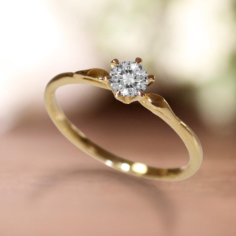 天使をモチーフにした華奢でカワイイ婚約指輪はBROOCH取り扱いラパージュの天使の羽根