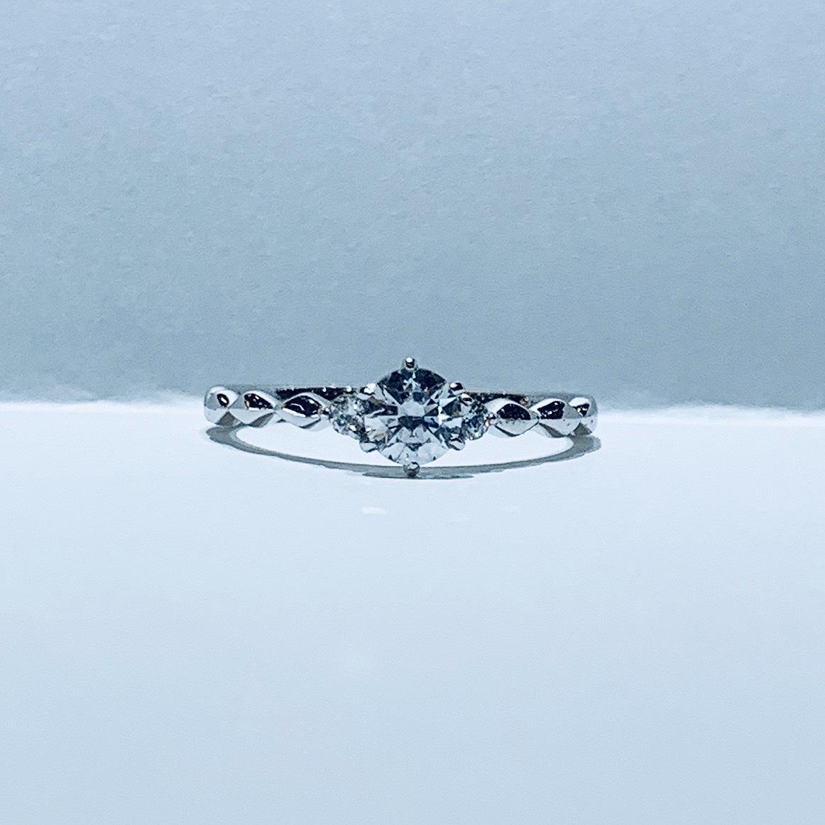 BROOCH 婚約指輪 エンゲージリング シンプルキュートデザイン