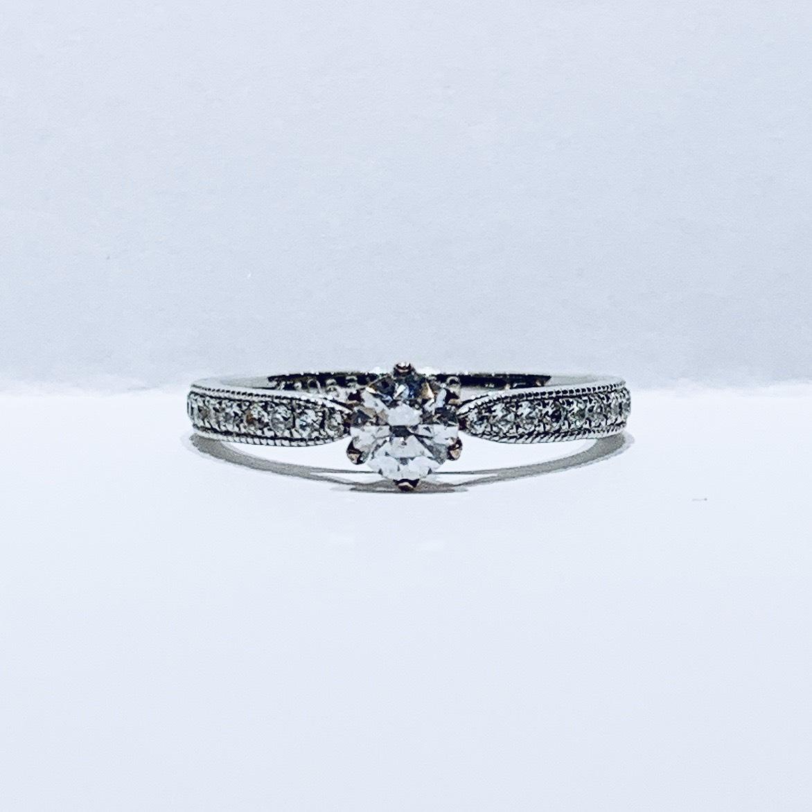 BROOCH 婚約指輪 エンゲージリング シンプルダイヤモンドライン