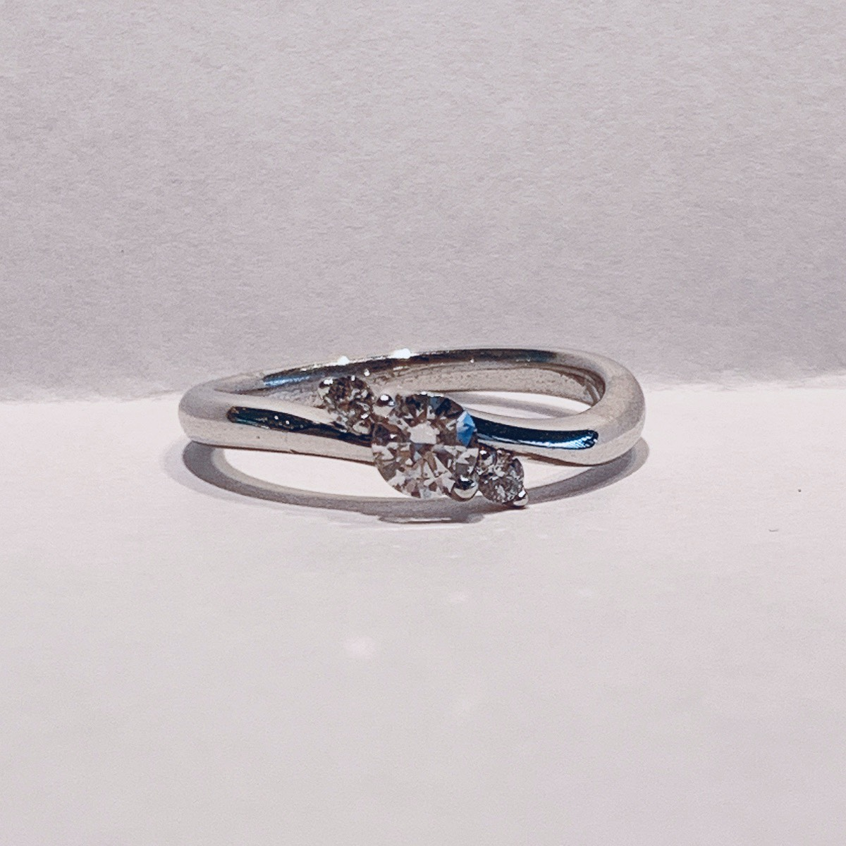 BROOCH 婚約指輪 エンゲージリング キャンディー型デザイン