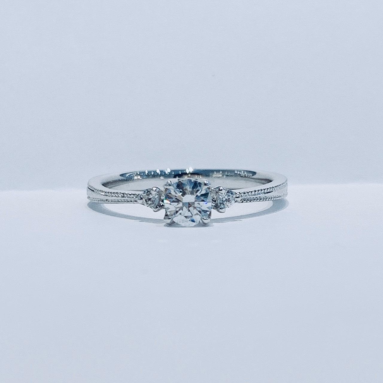 BROOCH 婚約指輪 エンゲージリング ダイヤモンドライン2色コンビ