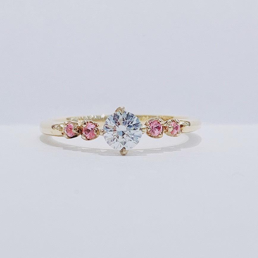 BROOCH 婚約指輪 エンゲージリング シンプルかわいいデザイン