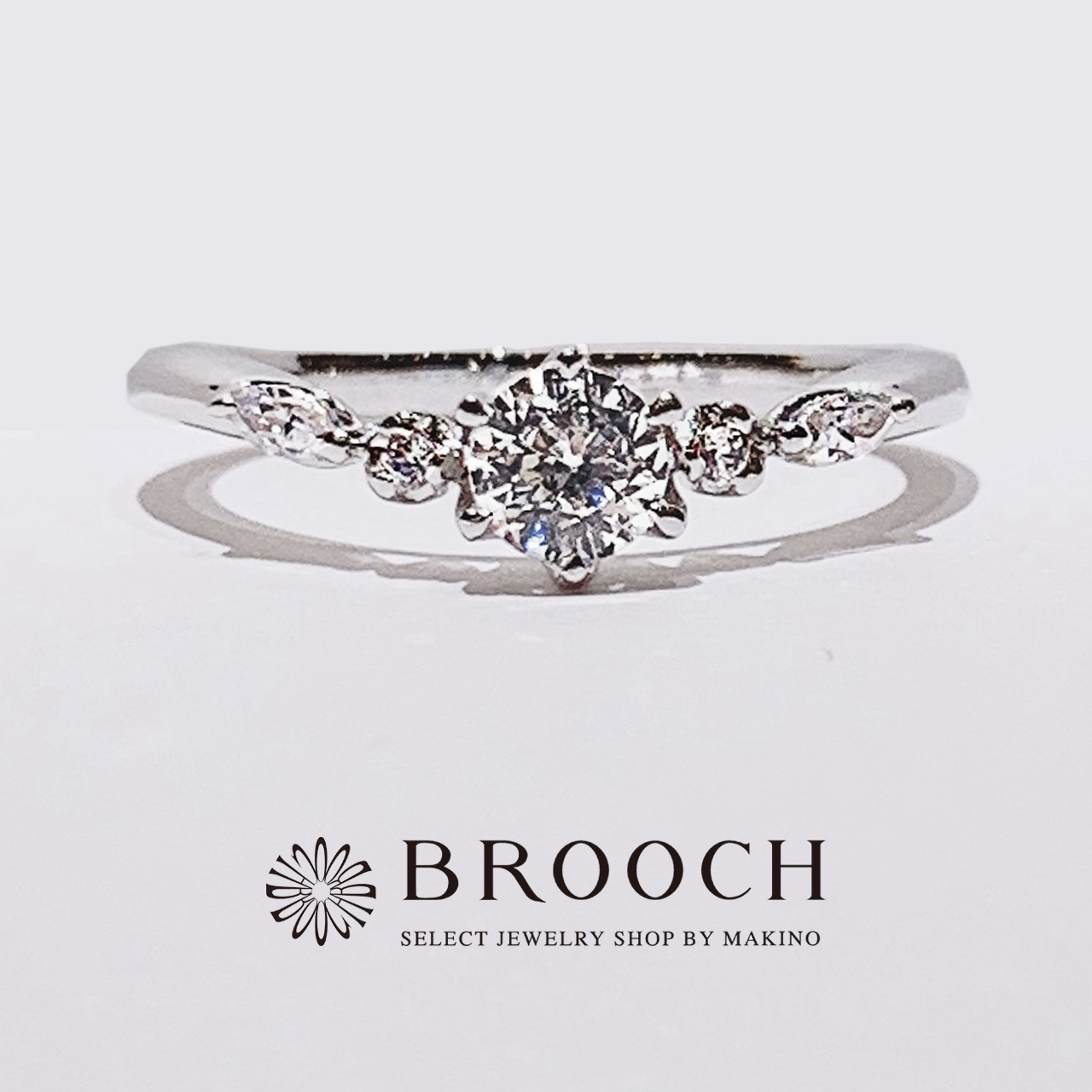 BROOCH 婚約指輪 エンゲージリング 華やかV字デザイン
