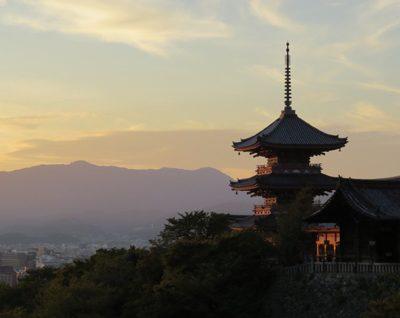 新潟で京都の趣があふれる婚約指輪(エンゲージリング)結婚指輪(マリッジリング)を選ぶなら、にわか【俄】がお勧め。大人花嫁ジュエリーの定番。
