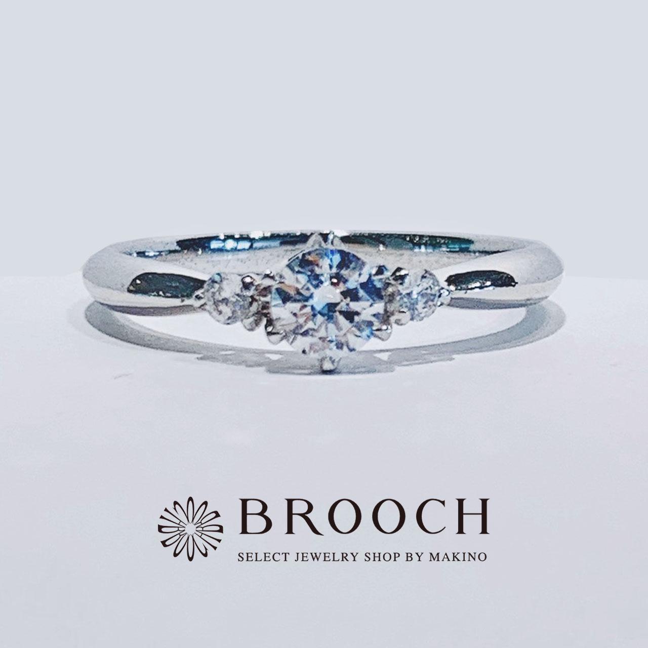 BROOCH 婚約指輪 エンゲージリング かわいい シンプル両サイドメレ