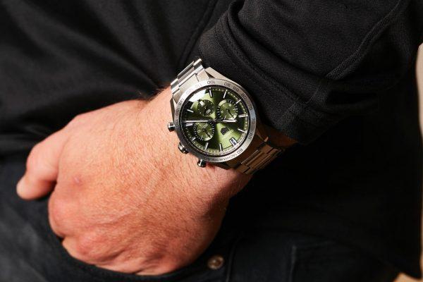 結婚のお返しに腕時計を贈る