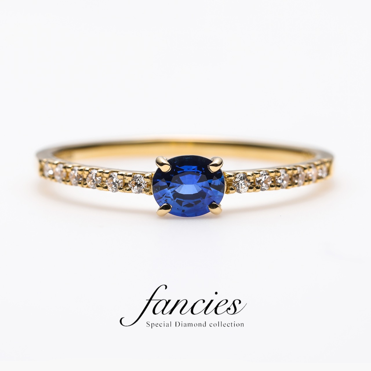 新潟の結婚指輪・婚約指輪 - 知的で清楚な青色が美しい9月の誕生石サファイヤの婚約指輪