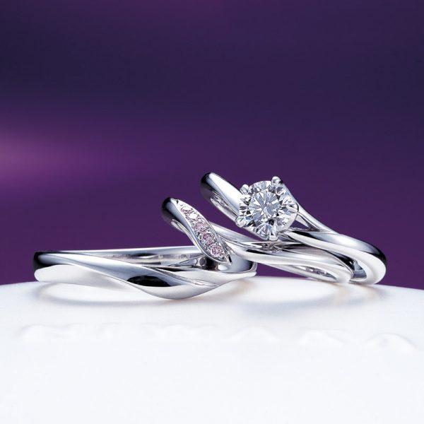 新潟で人気のにわかのういざくら【初桜】は婚約指輪 (エンゲージリング)と結婚指輪(マリッジリング)のセットリング