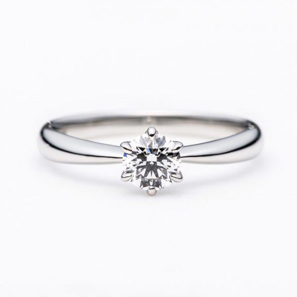 婚約指輪を選ぶならブローチへ